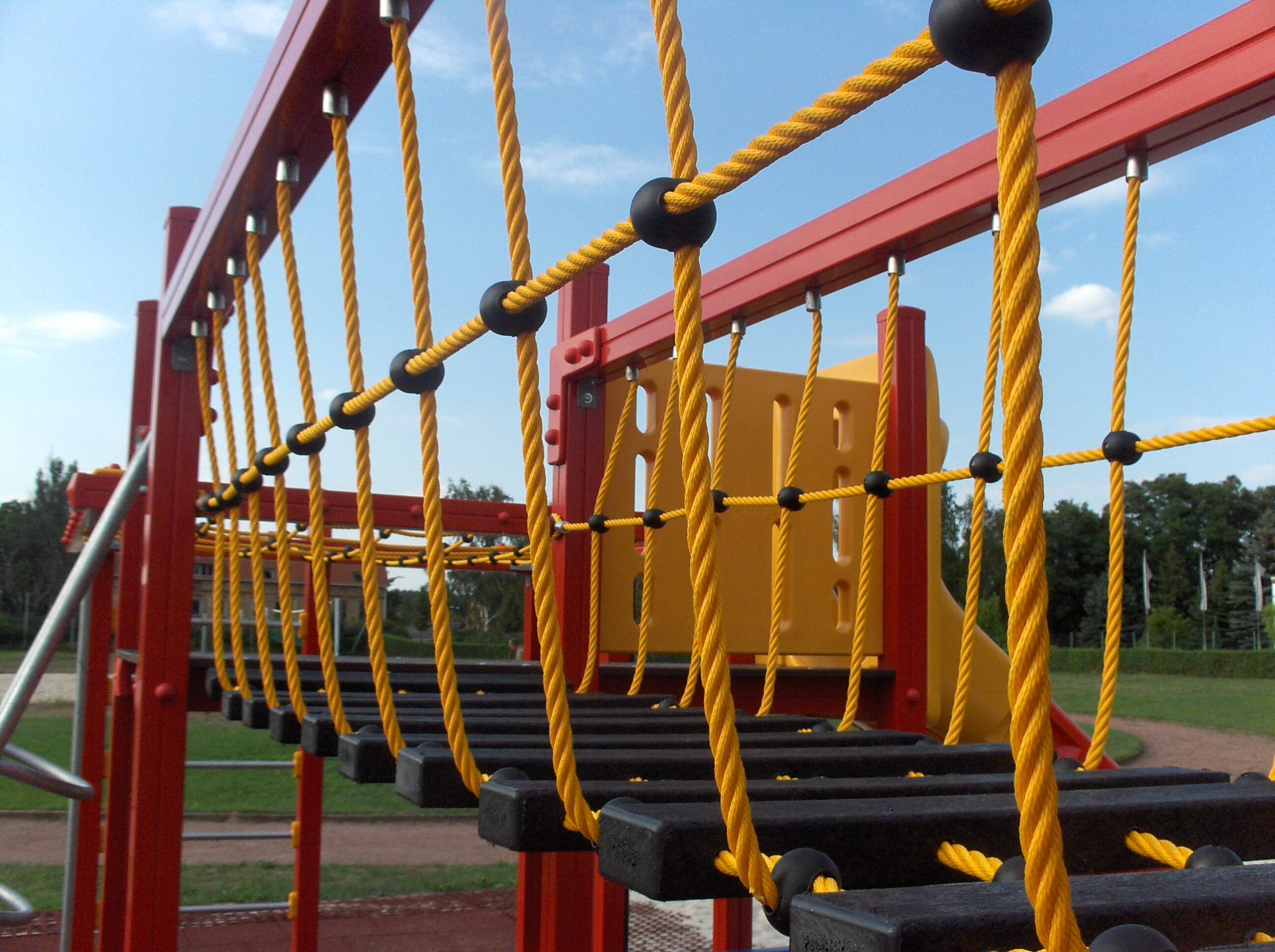 Spielplatz Tröbitz Hängebrücke