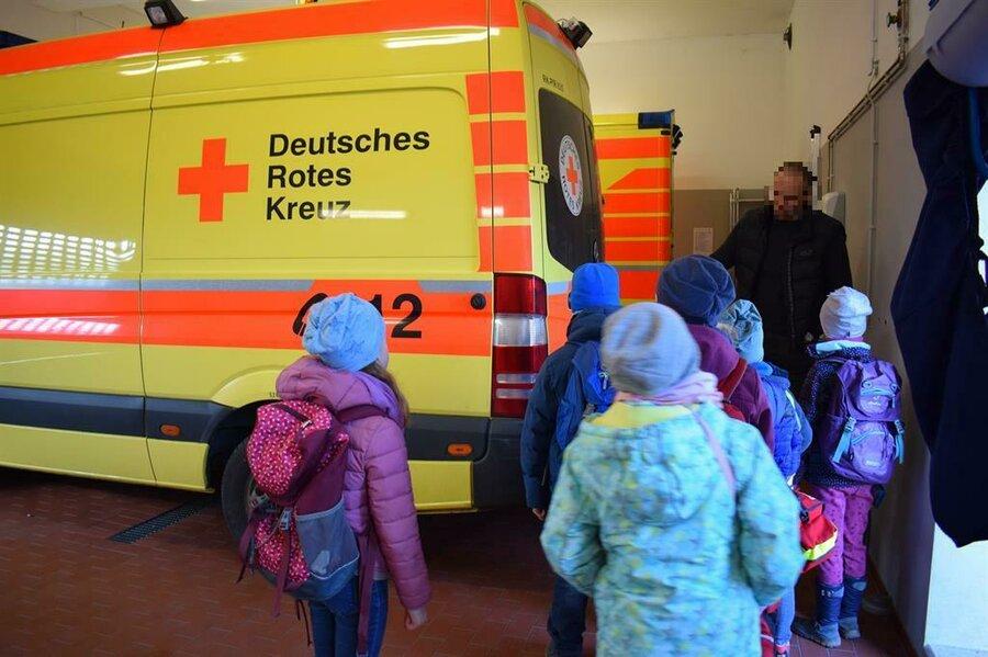 Kinder Service-JOCUS_Ferienausflug zur Rettungsleitstelle
