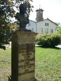 Büste Freifrau von Löwendal