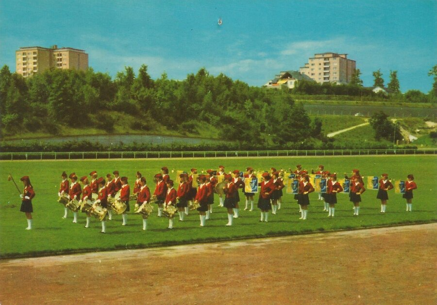 1967-Mädchenfanfarenzug gegründet 1964