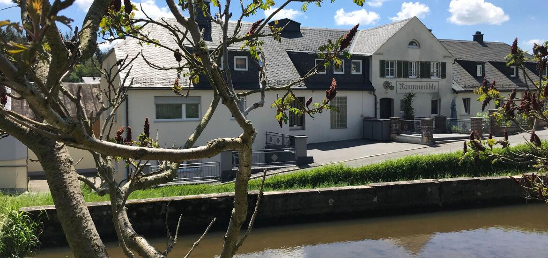 Fluss+Häuser