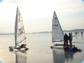 © Foto Karin Schulze – Eissegler auf dem Rangsdorfer See