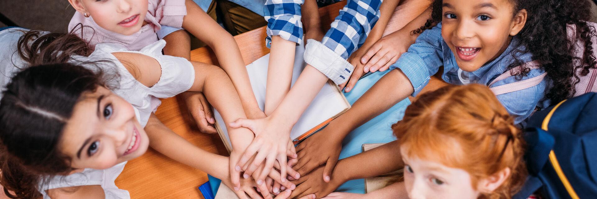 Kinder aus multikulturellem Hintergrund