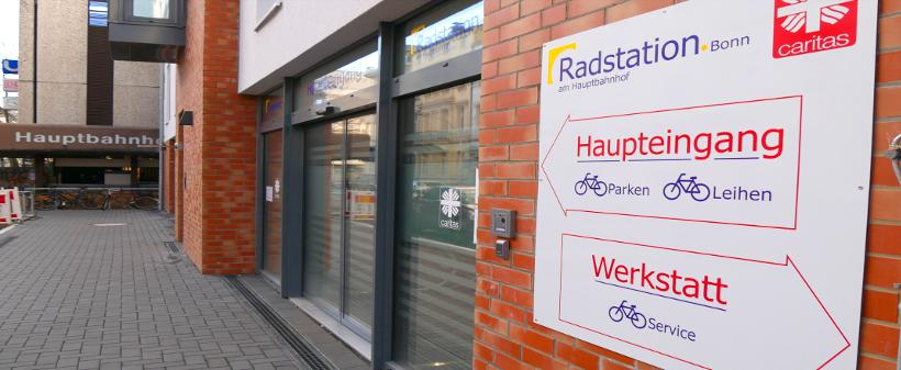 Haupteingang Radstation + Werkstatt