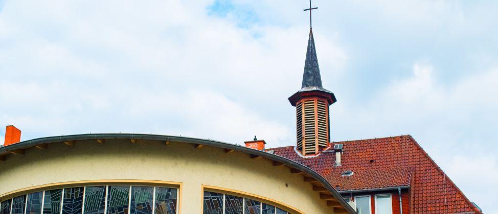 Lukaskirche (erbaut 1953)