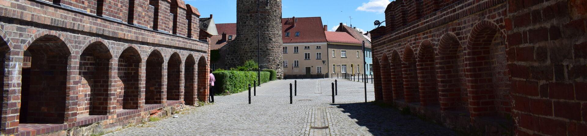 Durchs Dammtor in die Altstadt