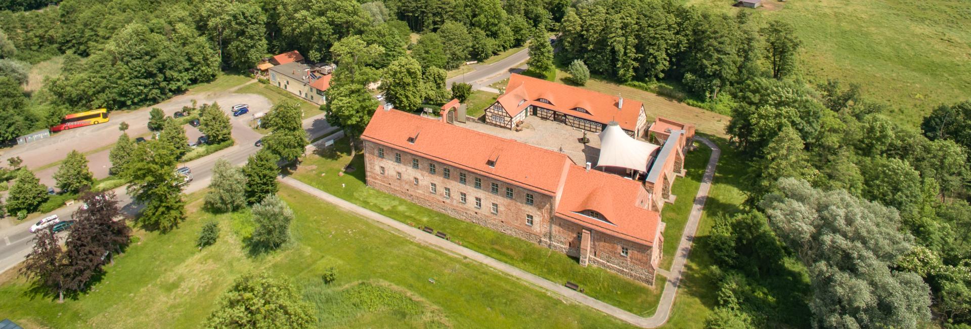 Burg aus der Vogelperspektive