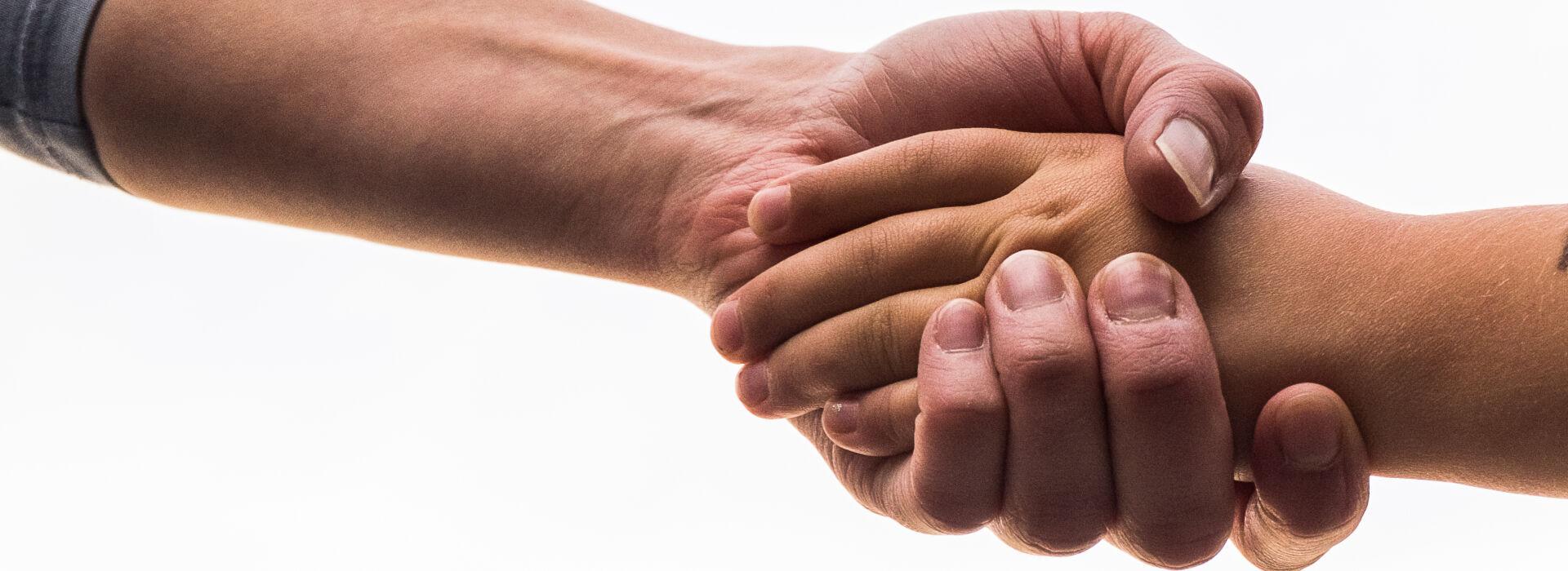 Hand reichen - generationenübergreifend